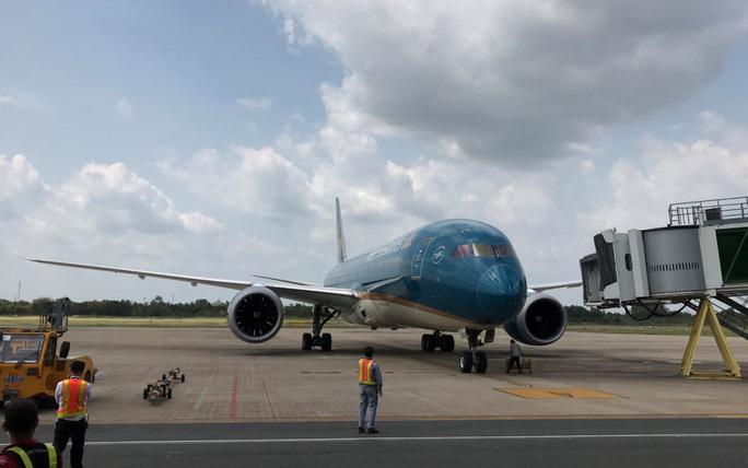 Vietnam Airlines tiếp tục vận chuyển hành khách từ Châu Âu về Việt Nam - Ảnh 1.